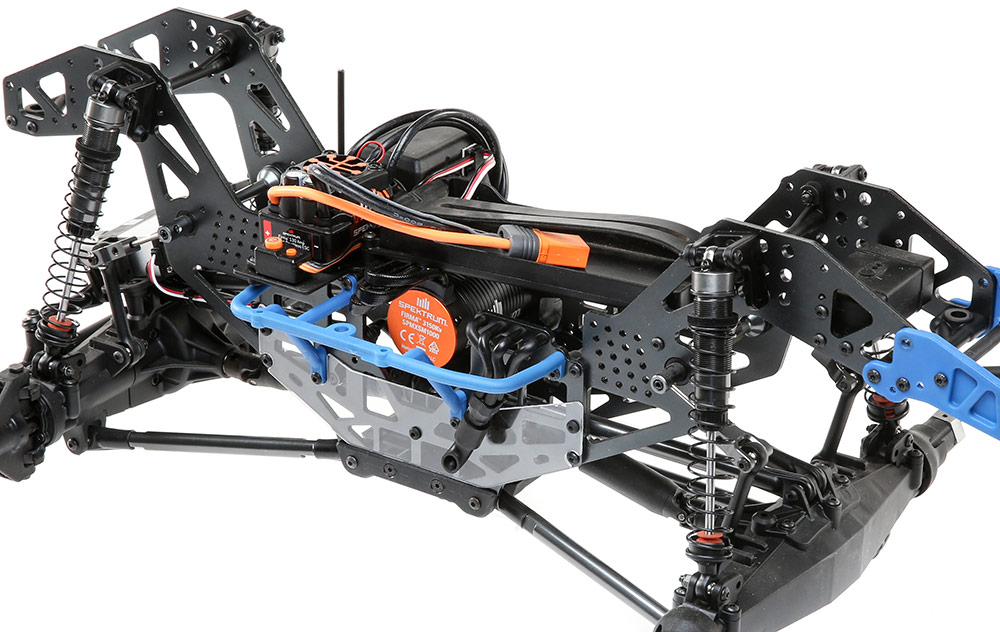 This image has an empty alt attribute; its file name is Losi4wd-Solidaxel3.jpg